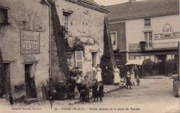 S42-024 Candé - Vieille Maison De La Place Du Marché - France