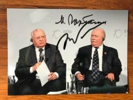 M. Gorbachev & L. Walesa Photo Autographs Hand Signed 12x18 Cm - Fotos Dedicadas