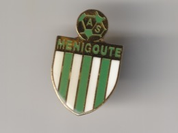 Pin's FOOTBALL A .S . MENIGOUTE ( Dép 79 ) - Football