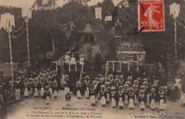 """S42-032 Ploemeur - Un Reposoir Le Jour De La Fête De Dieu à Ploemeur - La Société De Gymnastique """" L'Espérance """" - Ploemeur"""