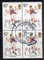ENR49B - GRAN BRETAGNA 1976 , 10 P. Quartina Usata Del 800  (2380A) - 1952-.... (Elisabetta II)