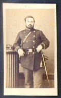 PHOTOGRAPHIE CDV - EPOQUE NAPOLEON III - PHOTOGRAPHE : BERUBET à CLERMONT-FERRAND - Guerre, Militaire