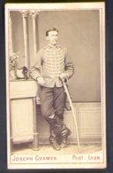 PHOTOGRAPHIE CDV - EPOQUE NAPOLEON III - CAVALIER - N° 5 AU COL - PHOTOGRAPHE : Joseph GRAMPA à LYON - Guerre, Militaire