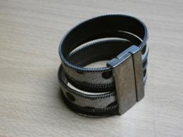 BRACELET IMITATION PANTHERE. 18CMX4,2CM. 47GR. - Bracelets