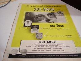ANCIENNE PUBLICITE EN PLEIN SOLEIL LUNETTE  SOL-AMOR 1952 - Vintage Clothes & Linen