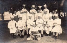 CARTE PHOTO    -    GROUPE DE CUISINIERS - Métiers