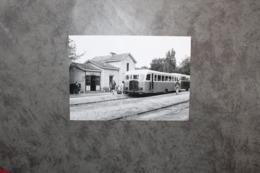 Andernos Les Bains 33510 Autorail En Gare 143CP03 - Andernos-les-Bains
