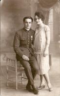 Carte Photo Couple Soldat Médaillé Photographe Avisini Rue St Ferréol Marseille - Guerre, Militaire