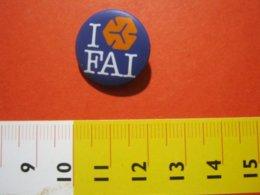 MED.1 ITALIA SPILLA PIN'S PIN PINS I LOVE FAI FONDO AMBIENTE ITALIA METALLICA - PICCOLA - BIANCO VIOLA ARANCIONE - Associazioni