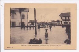 CP DAHOMEY Les Inondations De COTONOU 1925 Le Retour Du Marché - Dahomey