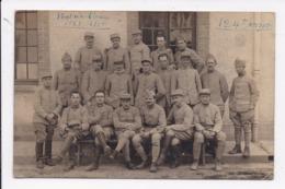 CARTE PHOTO Groupe De Militaires Fontainebleau 1918  124e Brigade - Personajes
