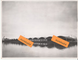 PORT DE DUNKERQUE - HANGAR AUX TEXTILES EN COURS DE RECONSTRUCTION - Photographie Datée 1950 - Format 17,5 X 23,5 Cm - Dunkerque