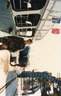Opération  ALBA   En  ALBANIE  Le Transporteur  CHAMPLAIN  Dans Le Port De DURRES  En 1997 - Guerre, Militaire