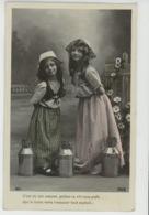 ENFANTS - LITTLE GIRL - MAEDCHEN - Jolie Carte Fantaisie Portrait Fillettes Petites Marchandes De Lait - Portraits
