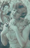 AK Frau Mit Schmuck Und Blumen - 1927 (44397) - Frauen