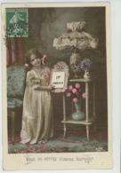 ENFANTS - LITTLE GIRL - MAEDCHEN - Jolie Carte Fantaisie Portrait Fillette Fleurs Bouquet De Violettes Dans Vase - Portraits