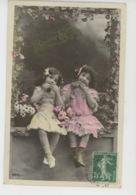 ENFANTS - LITTLE GIRL - MAEDCHEN - Jolie Carte Fantaisie Portrait Fillettes Et Fleurs - Portraits