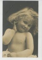 ENFANTS - LITTLE GIRL - MAEDCHEN - Jolie Carte Fantaisie Portrait Fillette Torse Nu - Portraits