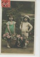 ENFANTS - LITTLE GIRL - MAEDCHEN - Jolie Carte Fantaisie Portrait Enfants Et Fleurs - Portraits