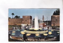 CPA MARRAKECH, LA FONTAINE LUMINEUSE DE DE BAB JDIDA Et LA KOULOUBIA En 1958! - Marrakech