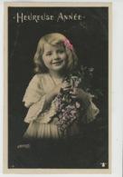 ENFANTS - LITTLE GIRL - MAEDCHEN - Jolie Carte Fantaisie Portrait Fillette Et Fleurs Glycine - Portraits