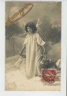 ENFANTS - LITTLE GIRL - MAEDCHEN - Jolie Carte Fantaisie Portrait Fillette Ange Avec Jouets Poupée - Portraits