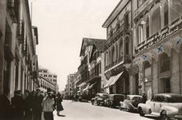 Maroc. CPSM. TANGER.  La Rue Du Statut. Voitures Anciennes, Américaine.  1954. - Tanger