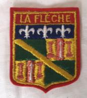 Ecusson Blason Armoiries LA FLECHE 72 Souvenir Tissu - Ecussons Tissu