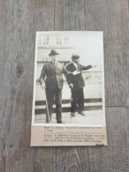 Photo Original Marechal Petain Et Pierre Laval / Hotel Sévigné / Vichy / Ww2 - Guerre, Militaire