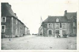 56 BEIGNON Place De L'Eglise Monument Aux Morts - Altri Comuni