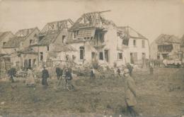 Photo-carte Village De Woevre Bombardé 1915 Animée Vélo War WW1 Voiture Guerre - Guerre, Militaire