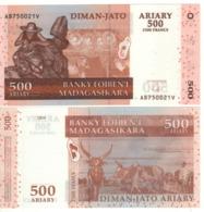 MADAGASCAR  500 Ariary  (made Of Hybrid Substrate)  P88b   2004 UNC. - Madagascar