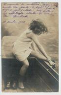 BAMBINA   SULLA   BARCA       19208   2  SCAN    (VIAGGIATA) - Portraits