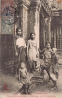 CPA ANGKOR-VAT - Femmes Cambodgiennes En Pélérinage Dans Le Sanctuaire - Cambodge