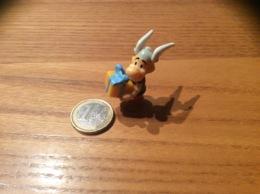 Figurine Kinder «Asterix Portant Cadeau» - Monoblocs