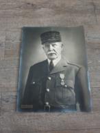 Portrait Originale Du Marechal Pétain Avec Signature Authentique Du Chef De L'état / STO  / Vichy / Ww2 / 39/45 - Guerre, Militaire
