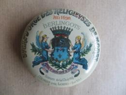 Boite Ancienne En Tôle Berlingots Sucre D'orge Des Religieuses De Môret Sur Loing 6.5 Cm / 2 Cm Hauteur - Other