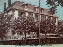Cpa 19 ST GERMAIN LES VERGNES , Animée , MAIRIE ECOLES élèves Instituteur Dans La Cour CORREZE - France