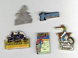 COMPETITION MOTO LOT DE 5 PINS EN TRES BON ETAT PARIS DAKAR 1991 PARIS SUPERCROSS DAYTONA BAJA 93 PONT DE  VAUX 1991 - Motos