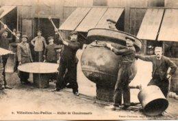 Villedieu Les Poêles-    Atelier  De  Chaudronnerie. - Villedieu