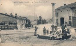 I133 - 01 - SAINT-MARTIN-DU-FRESNE - Ain - La Place Et Route De La Cluse - France