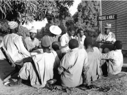Photo Sénégal. Casamance ? Réunion Des Responsables D'une Coopérative Années 1990   Vivant Univers - Afrique