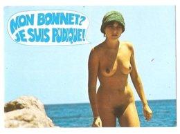 Femme Nue - Seins Nus - Humour - Nudisme - Nu - Mon Bonnet ? Je Suis Pudique - Pin-Ups