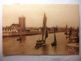 Carte Postale Les Sables D'Olonne (85) La Tour D'Arundel Et La Chaume  (Petit Format Oblitérée 1936 Timbre 20 Centimes ) - Sables D'Olonne