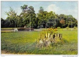 Carte Postale  78.  Verneuil-sur-Seine  Ecole Notre-Dame  Le Parc  Cateau De Verneuil - Verneuil Sur Seine