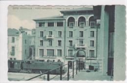 66 PORT VENDRES  L'hôtel Du Midi ,façade Avec Train  , Locomotive à L'arrêt - Port Vendres