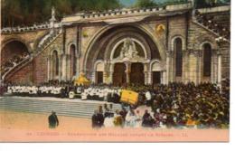 LOURDES - Bénédiction Des Malades Devant Le Rosaire - Lourdes