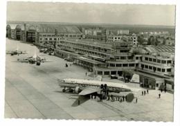 Aéroport Paris-Le Bourget - Super D.C. 6 De L'U.A.T Aéromaritime, F-BGTZ, Ravitaillement Et Dépose De Passagers - Aerodrome
