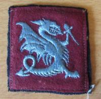 France - Ecusson Militaire En Tissu - 1er RPIMA (Régiment De Parachutistes) - Chimère Tenant Une épée - Ecussons Tissu
