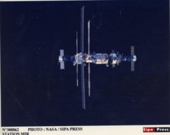 NASA . STATION MIR  Photo  SIPA PRESS - Photos